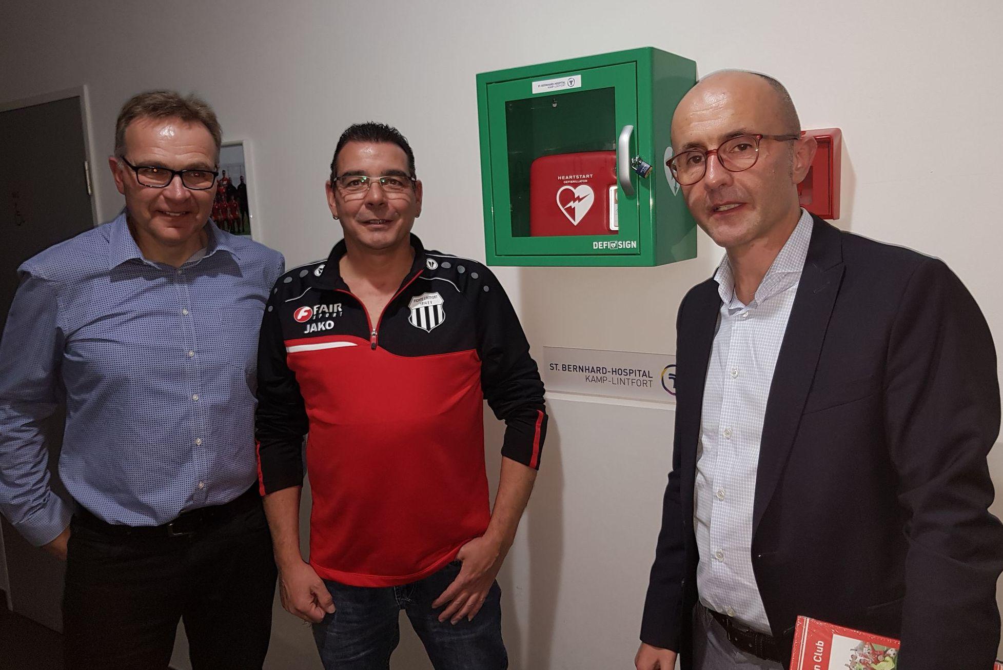 St. Bernhard spendet Defibrillator